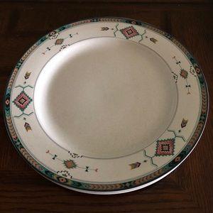 2 Studio Nova Adirondack dinner plates